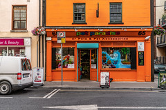 PET PARADISE [65 O'CONNELL STREET WATERFORD]-142643 (infomatique) Tags: petparadise oconnellstreet waterfordcity ireland petstore doggiedaycare petshop williammurphy infomatique fotonique sony a7riii