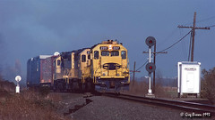 Once upon a time in the Willamette Valley (3 of 3) (C.P. Kirkie) Tags: southernpacific southernpacificoregondivision sp willamettepacific wprr willamettevalley oregon trains railroads emd freighttrain gp392 sd40t2