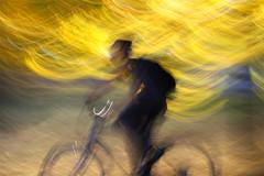(jc.dazat) Tags: flou blur icm personnage people cycliste vélo bicycle vitesse photo photographe photographie photography canon jcdazat