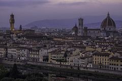 Firenze (SimonMCR) Tags: firenze florence palazzo vecchio cattedrale sante maria fiore piazza piazzale michelangelo italy tuscany bluehour purple sunset river church cathedral cityscape citylights city holiday getaway wanderlust sky skyline fujixt2 fujifilm fuji55200mm architecture art