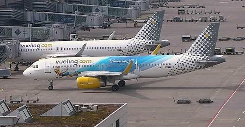 Vueling Airbus A320 Ec Mle 25 Years Of Disneyland Paris Special