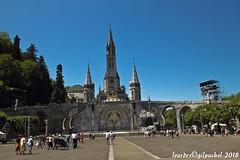 Lourdes 261-A (José María Gil Puchol) Tags: aquitaine basilique boutique catholique cathédrale cierge eaumiraculeuse fidèle france josémariagilpuchol lourdes paysbasque prière pélèrinage religion