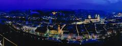 Märzabend über Passau (Helmut Reichelt) Tags: vorfrühlingsnacht nacht abend blauestunde thebluehour lichter oberhausberg aussichtspunkt passau stadt dom mariahilf inn spiegelung donau schiffe donauradwanderweg märz niederbayern bavaria deutschland germany leica leicam typ240 captureone11 colorefexpro4 leicasummilux35mmf14asphii pasov europe evropa nemecko brd panorama fhdr crop
