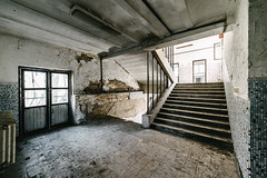 16/30 2017/04 (halagabor) Tags: urban exploration urbex urbanexploration lost lostplaces forgotten old abandoned abandonment decay derelict d610 nikon army military base building hungary hungarian budapest socialism soviet solitude stairs door corridor devastation ruin ruins wide wideangle samyang samyang14mm 14mm