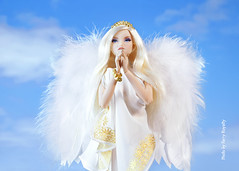 ​ Take an Angel by the Wings (Ferry R.) Tags: integritytoys integrity toys fashionroyalty fashion royalty nuface nu face erin erinsalston salston youlooksofine you look so fine fashiondollphotography fashiondoll doll dolls dollcollection dollcollector barbie barbiedoll angel