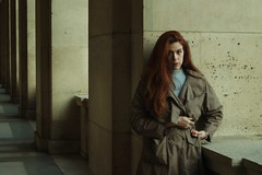 Cathel. (Nicolas Fourny photographie) Tags: canon 80d 3580 model beauty portraiture womanportrait girlportrait redhair redhead fashion beautifulgirl beautifulwoman trenchcoat louvre paris dof depthoffield profondeurdechamp naturallight
