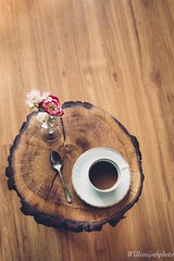 Cup of coffee (WillemijnB) Tags: coffee wood wooden tree trunk slab vintage retro flower bois planche plank hout houten