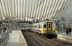 20180404 NMBS 622, Luik (B) (Bert Hollander) Tags: liègeguillemins luik nmbs stel 622 type am66 motorstel grijs kap stoptrein trein l5266herstalverviers