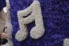 p7355_Errel2000_Praalwagen (Errel 2000 Fotografie) Tags: praalwagens noordwijkerhout roblangerak errel2000 bloemen flowers corso bloemencorso bollenstreek bloembollenstreek kleurrijk