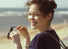 Sur la route de Jaffa (2/2) (rknecht) Tags: canon650d canon50mm18 holidays vacances travel voyage israel jaffa telaviv sourire smile plage beach mer sea sun soleil lunettesdesoleil sunglasses