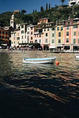 Una barca - Portofino (matteoguidetti) Tags: portofino italia liguria italy colors seaside landscape