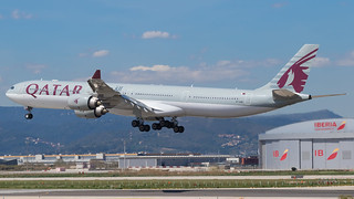 BCN - Qatar Airways Airbus 340-600 A7-AGB