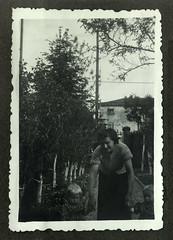 i gemelli con la bambinaia - Vicenza maggio 1936 (dindolina) Tags: photo fotografia blackandwhite biancoenero monochrome monocromo vintage family famiglia history storia gemelli twins vignato italy italia veneto vicenza 1936 1930s annitrenta thirties