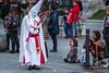 El Asombro (Juan Ig. Llana) Tags: bilbao bizkaia euskadi españa es semanasanta procesióndelaesperanza procesión niña capirote cirio cofrade nazarenos religión gente zb