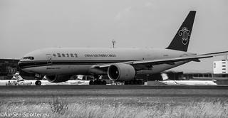 Boeing 777F1B B-2075