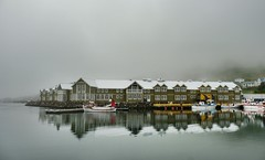 siglufjörður (christelle guilloteau) Tags: islande iceland boat sea mer port harbor fog
