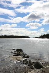 Low water (liisatuulia) Tags: porkkala meri ranta kallio kevät