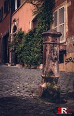 vicoli de' Roma (Michele Rallo   MR PhotoArt) Tags: michelerallomichelerallomrphotoartemmerrephotoartphotopho fontana fontanella fuentes nasone acea acqua romano romana romani vicolo street strada vicoli