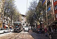 Milano - Via Procaccini (Gi@nni B.) Tags: tram milan carrellipeterwitt milano atmmilano viedimilano viaprocaccini