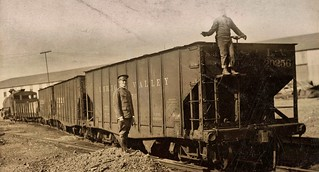 Governors Island Railroad train ca1917 NARA165-WW-531B-001
