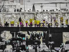 06-04-23 high key glas antiq pict0279-1 (u ki11 ulrich kracke) Tags: c4 glas highkey kopf licht ljubljana mosaik platz schatten terrasse antik cof019ettigirbs cof019 fenster