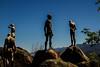 VALLE DEL JERTE: El Torno (RLuna (Charo de la Torre)) Tags: españa extremadura jerte valledeljerte cerezos primavera cerezosenflor naturaleza airelibre outdoor vegetación paisaje landscape photo canon ecoturismo rural medioambiente rluna rluna1982 escultura miradordelamemoria eltorno