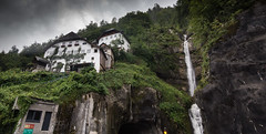 HALLSTATT-(AUSTRIA)-29 (Fotoencuadre Miguel Alvarez) Tags: hallstatt austria tirol pueblomasbonitoalladodeunlago montañas alpes lago pueblo europa montaña elpueblomasbonitodelmundoalladodeunlago unesco bruma casasdemadera