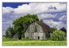 Barn north of Au Gres (TAC.Photography) Tags: barns farm farming rural ruralmichigan ruralamerica framed blueskies summer pleasantview tomclarknet tacphotography