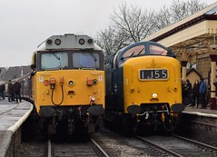50015 Valiant and D9009 ALYCIDON at Ramsbottom (colin9007) Tags: eastlancashirerailway englishelectric delticpreservationsociety dps napier deltic d9009 55009 alycidon class 55 type 5 coco 50 50015 d415 valiant 4