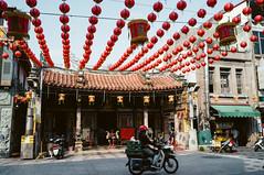 R0019740 (Mickey Huang) Tags: ricoh gxr mount a12 voigtlander color skopar 21mm f4p taiwan 鹿港 street snap 街拍