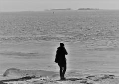 6Q3A2911 (www.ilkkajukarainen.fi) Tags: suomi suomi100 finland finlande happy life helsinki winter talvi ulkoilu travel traveling eu europa scandinavia nature landscape maisema luoto snow lumi blackandwhite mustavalkoinen monochrome uunisaari portrait