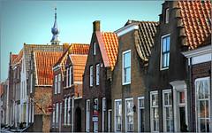 Façades sur le Kaai, Veere, Walcheren, Zeelande, Nederland (claude lina) Tags: claudelina nederland hollande paysbas zeelande zeeland veere maison houses beffroi