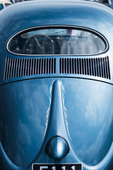 Bleue (Nathalie Falq) Tags: figeac france lot midipyrenees occitanie bleu blue formatportrait voiture fujifilmxt2 xf35mmf14r fujifilm