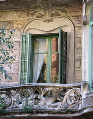Balcony window, Barcelona (Spencer Means) Tags: barcelona window balcony curtain stonework reflection dreta eixample modernisme modernista dwwg balcón balkon
