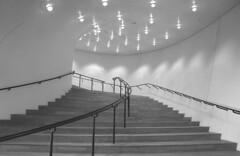 Aufgang zum grossen Musiksaal (Rosmarie Voegtli) Tags: elbphilharmonie hamburg inside light architecture herzogunddemeuron art kunst architektur licht blackandwhite blackwhite