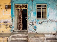 LR Madhya Pradesh 2018-2240429 (hunbille) Tags: birgittemadhyapradesh20182lr india madhya pradesh madhyapradesh maheshwar oldcity old city town door window 15challengeswinner challengeyouwinner cyunanimous game cy2