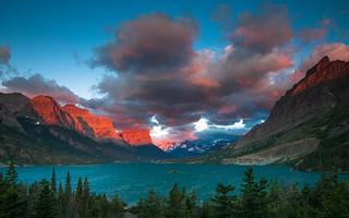 St. Mary Lake. Glaciar National Park. MontanaFire In The Sky!