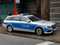 Polizei Hamburg HH-7191 (Ernesto Imperato - Firenze (Italia)) Tags: polizia polizei hh hamburg mercedes samsung s6