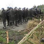 les autres bloqués face à une autre barricade :p thumbnail