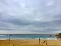 """Playa"" (atempviatja) Tags: barcelona novaicaria marítimo paseo nubes color playa mar cielo"