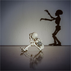 Spooky Shade (eyesore9) Tags: skeleton shadow shade spectre apparition spook foreboding spirit wraith 52week poseskeleton rement