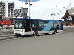 DSCN2996 Société des Téléphériques de la Grande Motte STGM, Tignes 02 DX-656-ZX (Skillsbus) Tags: france buses coaches sociétédestéléphériquesdelagrandemotte stgm iveco urbanway