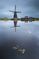 Typical Holland (Tony N.) Tags: holland paysbas kinderdijk windmills reflets reflections badweather rain pluie moulins water eau sky ciel nuages clouds cloudy nuageux nikkor1635f4 nikon vanguard nisi nisiprov5 gnd8 nd1000 procpl tonyn tonynunkovics