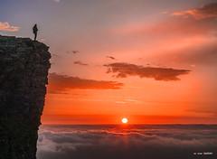 Visión (Jabi Artaraz) Tags: beriain sandonato navarra amanecer nature sol sun light monatña montañero montaña