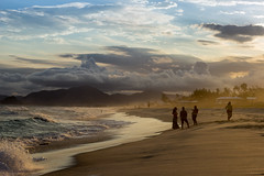 Praia da Reserva - Rio de Janeiro (mariohowat) Tags: praiasdoriodejaneiro barradatijuca praiadareserva natureza sunset pôrdosol riodejaneiro canon brasil brazil entardecer