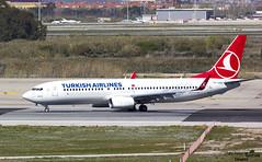 TC-JHU entrando a pista LEBL (Dawlad Ast) Tags: aeropuerto internacional barcelona bcn el prat lebl españa spain cataluña catalunya avion plane airplane marzo march 2018 spotting boeing 7378f2 tcjhu turkish airlines sn 42002 b737 b738 737800 737