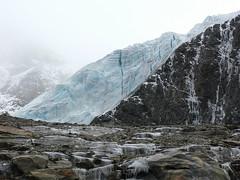 Brivido! Arrivo al ghiacciaio (giorgiorodano46) Tags: luglio2007 july 2007 solda soldaallortles sulden alpi alpes alps alpen altoadige sudtirolo ghiacciaio glacier gletscher parconazionaledellostelvio ghiacciaiodirosim vedrettadirosim vedretta rosimferner ortlescevedale