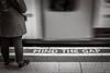 (Kathleen Van Hamme) Tags: londen london april2018 mindthegap londonunderground londontube metro blackwhite zwartwit straatfotografie streetphotography streetsoflondon