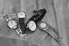Embarras du choix de l'heure (mifranc91) Tags: d700 nikon 28105 noiretblanc monochrome bw blackandwhite montre watch bois cuir acier