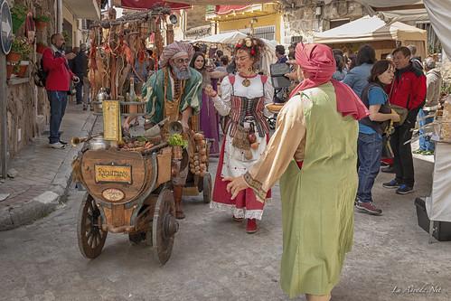 "XVII Mercado Medieval de La Adrada • <a style=""font-size:0.8em;"" href=""http://www.flickr.com/photos/133275046@N07/41857288521/"" target=""_blank"">View on Flickr</a>"